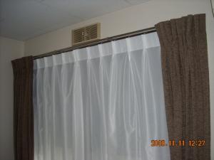 ドレープカーテンとレースカーテン