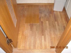 洗面所床板補修後