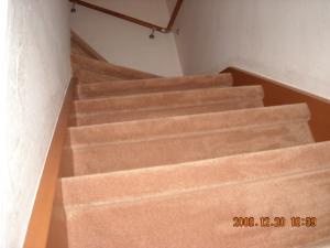 カーペットを張った階段2