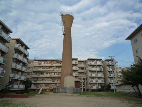 大阪府営千鳥橋住宅の給水塔2