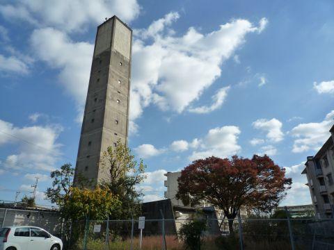 公団白鷺団地の給水塔3
