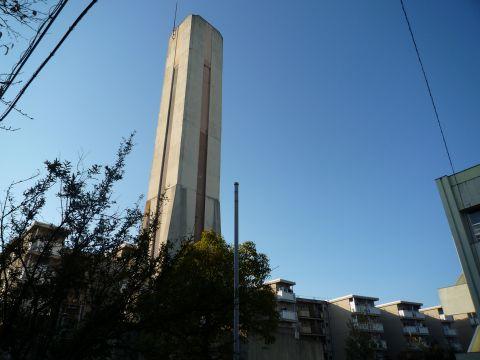 大阪府営東鳥取石田住宅の給水塔2