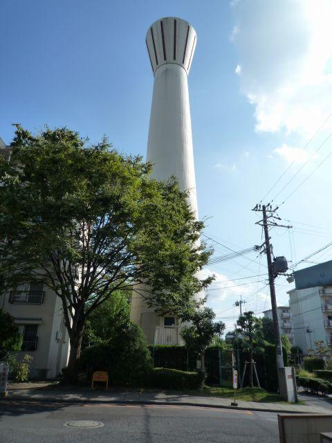 大阪府公社茨木安威団地の給水塔1