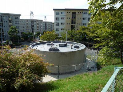 大阪府公社茨木郡山団地の給水塔跡