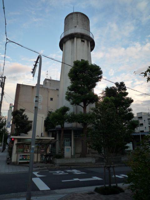 大阪府営寺山住宅の給水塔1