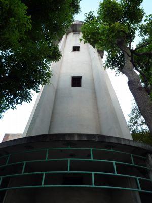 大阪府営寺山住宅の給水塔下から