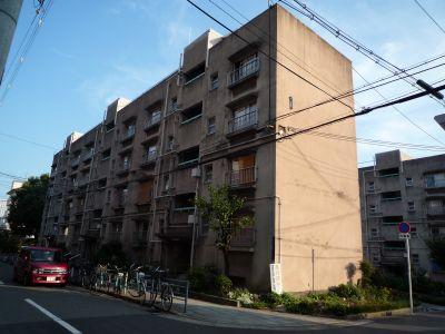 大阪府営寺山住宅の住棟1