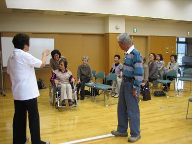 車椅子を使っての体験講座