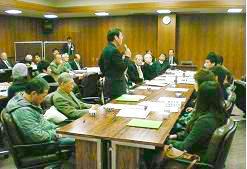 鈴坂会長から2年目体験の学生に激励が・・・